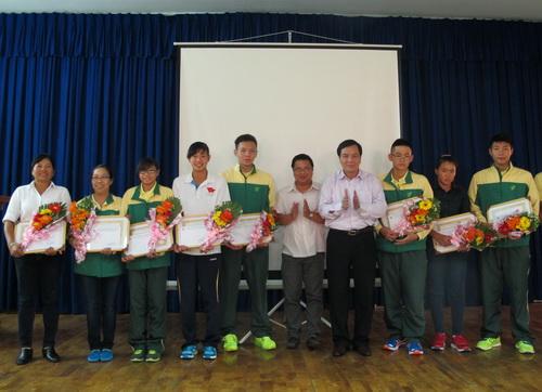 Đội tuyển bơi trẻ Việt Nam thi đấu ấn tượng tai hai giải đấu khu vực