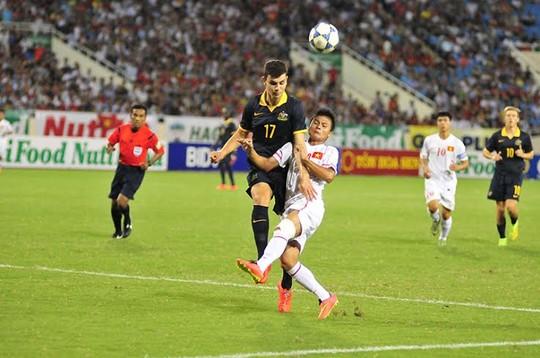 U19 Úc (trái) sẽ gặp U19 Nhật Bản, đối thủ tiếp theo của U19 Việt Nam
