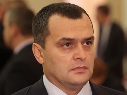 Quyền Bộ trưởng nội vụ Vitaly Zakharchenko mới bị cách chức. Ảnh: AP