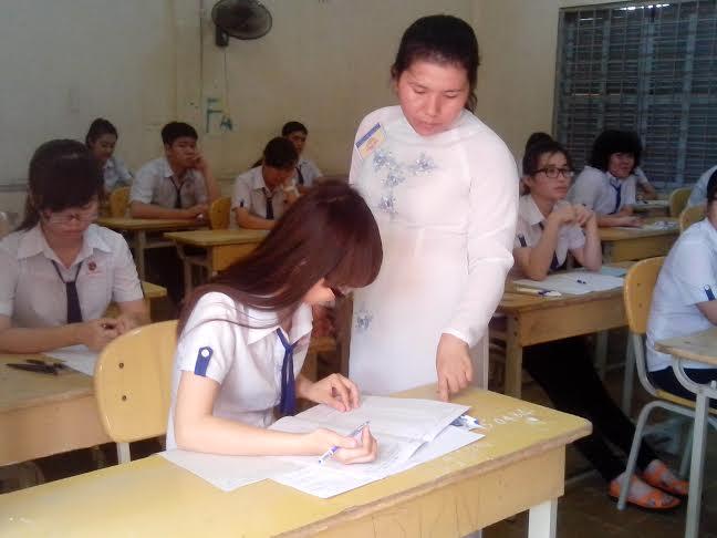 Thí sinh Cần Thơ tại hội đồng thi trường THPT Châu Văn Liêm trong kỳ thi tốt nghiệp 2014. Ảnh: Thùy Trang