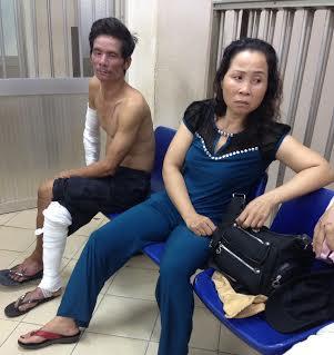 Bà Hoa nghe tin con gặp nạn đã tức tốc đến bệnh viện