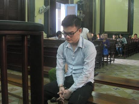 Hung thủ Trần Đại Quang trước vành móng ngựa
