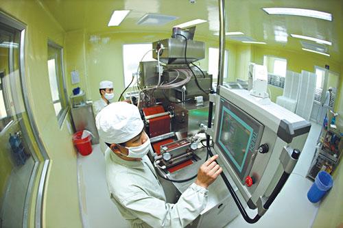Dây chuyền sản xuất hiện đại của Traphaco