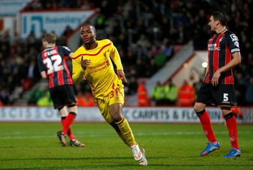 Chân sút 20 tuổi Sterling lập cú đúp cho Liverpool...