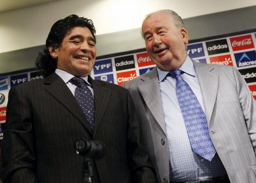 Thời còn thân thiết với Diego Maradona