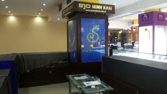 Cửa hàng kinh doanh vàng SJC Minh Khai trong siêu thị Maximark được cho là bị mất toàn bộ tài sản và tiền bạc. Ảnh: P.Dũng