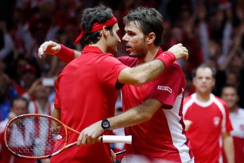 Federer và Wawrinka sánh vai trong chiến thắng