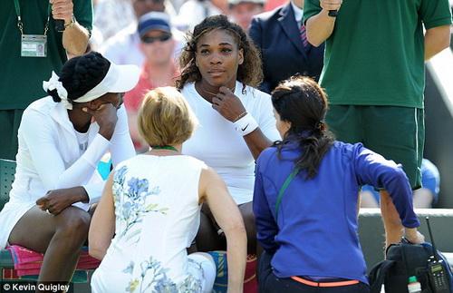 Trận đánh đôi nhiều điều tiếng cho Serena ở Wimbledon