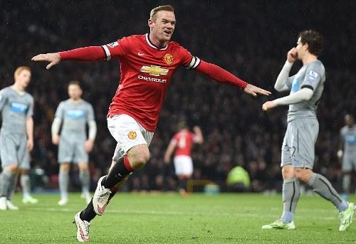 Rooney ghi bàn từ pha bứt tốc khó tin