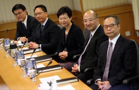 5 đại diện từ phía chính quyền Hồng Kông
