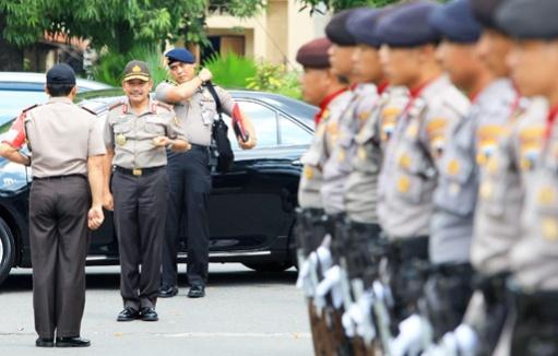 An ninh lễ cưới được siết chặt. Ảnh: Jakarta Post
