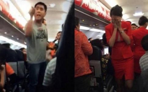 Vụ du khách Trung Quốc hắt nước nóng và mỳ vào mặt tiếp viên. Ảnh: SCMP
