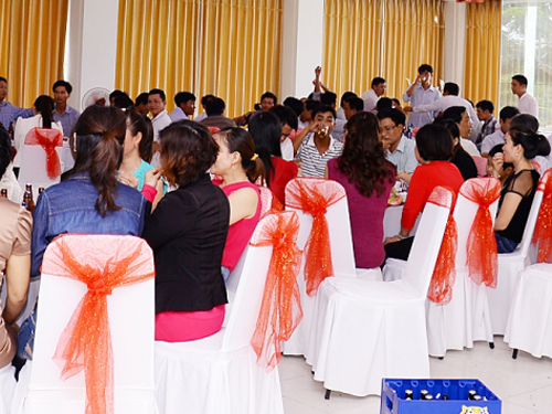 Từ giờ đến Tết, làm ơn đừng có ai mời đám cưới nữa!
