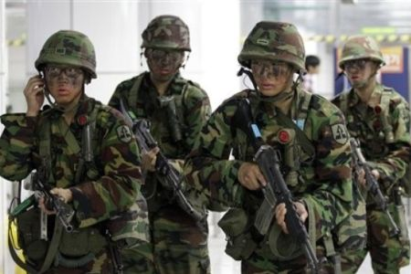 Nhiều binh sĩ Hàn Quốc không quen cuộc sống trong quân ngũ nên bị rơi vào cảm xúc tiêu cực. Ảnh: Press TV
