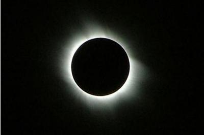 Scotland sẽ chứng kiến nhật thực toàn phần lớn nhất trong 50 năm qua. Ảnh: Herald Scotland