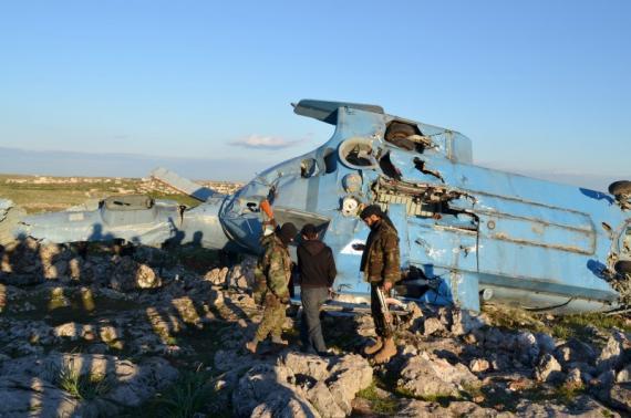Chiếc máy bay rơi vào tay phong trào Mặt trận al-Nursa. Ảnh: Reuters