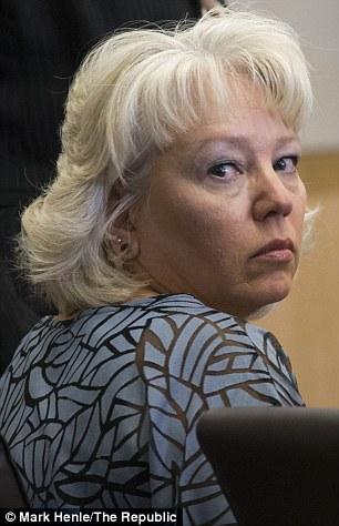 Bà Debra Milke đã được trả tự do sau 22 năm tù oan. Ảnh: The Republic