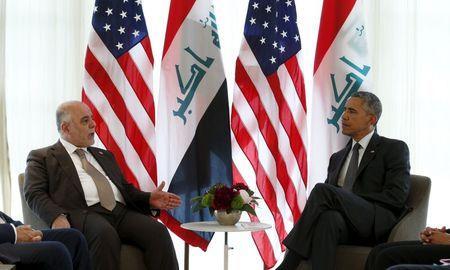 Tổng thống Mỹ Barack Obama (phải) gặp Thủ tướng Iraq Haider al-Abadi bên lề Hội nghị G7 hôm 8-6. Ảnh: Reuters