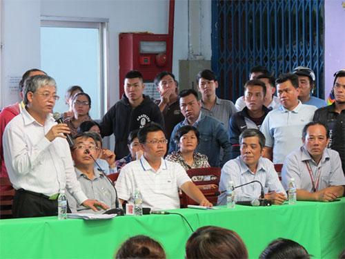 Thứ trưởng Bộ LĐ-TB-XH Doãn Mậu Diệp cùng cán bộ CĐ TP HCM gặp gỡ, lắng nghe công nhân Công ty Pouyuen đề đạt nguyện vọng