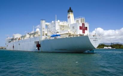 Tàu bệnh viện USNS Mercy của Mỹ chuyên thực hiện sứ mệnh cứu trợ nhân đạo và thiên tai ở châu Á. Ảnh: InterAksyon