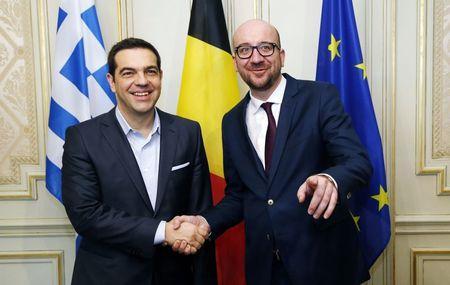 Thủ tướng Bỉ Charles Michel (phải) và Thủ tướng Hy Lạp Alexis Tsipras. Ảnh: Reuters