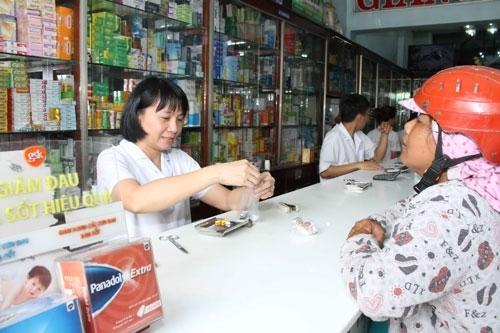 Tác dụng phụ của thuốc có thể tăng lên khi dùng chung với một thuốc khác Ảnh: HOÀNG TRIỀU