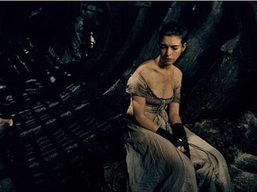 Anne Hathaway phải giảm cân nhiều để phù hợp vai diễn