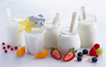 Sữa là thực phẩm giàu canxi cần cho sự phát triển chiều cao của trẻ