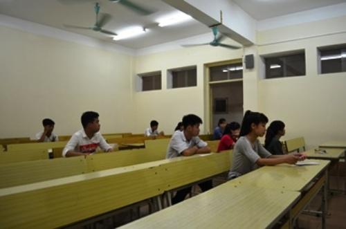 Học sinh chuẩn bị chính thức bước vào giờ thi
