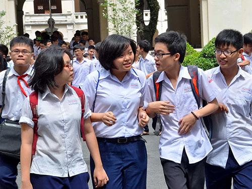 Học sinh dự thi vào lớp 10 năm 2014 tại Trường THPT chuyên Lê Hồng Phong Ảnh: TẤN THẠNH