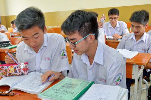 Học sinh Trường THPT Lương Thế Vinh (TP HCM) ôn thi THPT quốc gia Ảnh: TẤN THẠNH