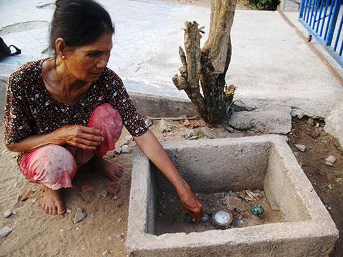 Hệ thống nước sạch bị bỏ hoang, một đồng hồ nước chưa bị tháo dỡ