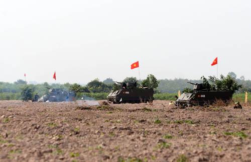 Dù không được đào tạo chính quy nhưng đội ngũ cán bộ, chiến sĩ Lữ đoàn đã làm chủ và sử dụng có hiệu quả xe thiết giáp M113.