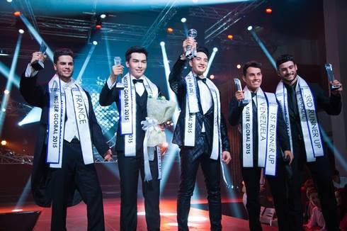 Văn Sơn đăng quang đêm chung kết Mister Global 2015 diễn ra tại Thái Lan