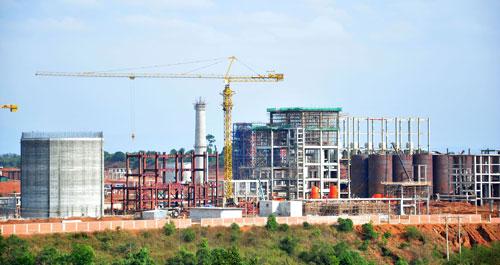 Nhà máy Alumin Nhân Cơ ở Đắk Nông Ảnh: CAO NGUYÊN