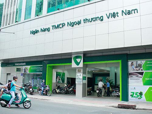 Nhiều thông tin cho thấy Vietcombank sẽ sáp nhập Saigonbank. Ảnh chụp tại Vietcombank Chi nhánh Bến Thành (69 Bùi Thị Xuân, TP HCM) Ảnh: HOÀNG TRIỀU