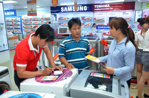 Đại diện siêu thị Nguyễn Kim kêu oan vì bị bêu tên nợ thuế đến 83 tỉ đồngẢnh: Tấn Thạnh