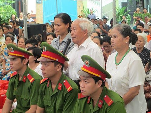 Cha mẹ của bị hại Nguyễn Trung Hiếu xin HĐXX giảm án cho người đã tước đoạt mạng sống con mình