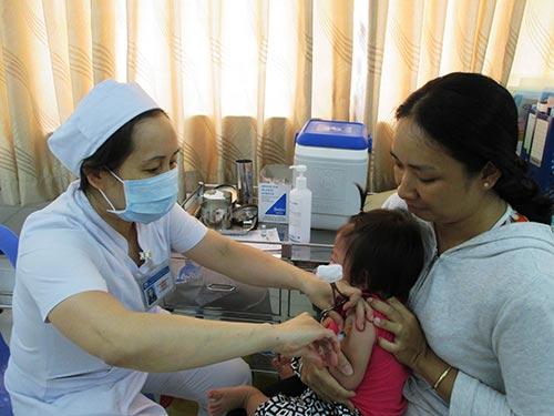 Chích ngừa cho trẻ em tại Bệnh viện Từ Dũ Ảnh: ANH THƯ