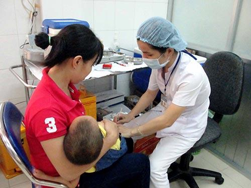 Tiêm ngừa cho trẻ tại Trung tâm Chăm sóc sức khỏe sinh sản TP HCM