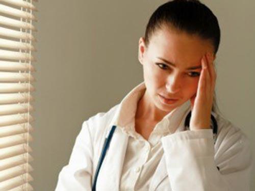 Điều dưỡng thường là công việc có yêu cầu làm theo ca ngày đêm Ảnh: MOBBMEDICAL