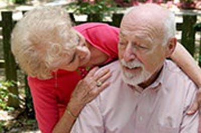 Sự tin cậy tăng thêm theo tuổi tác. (Ảnh Healthday News)