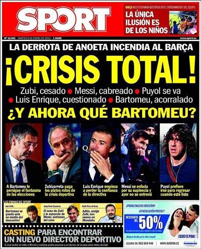 """Báo Sport của Tây Ban Nha giật tít: """"Khủng hoảng toàn diện"""" để nói về tình hình hiện tại của Barcelona Ảnh: EPA"""