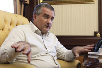 Nhà lãnh đạo Cộng hòa Crimea Sergei Aksenov quyết định cắt giảm lương của ông xuống còn một nửa Ảnh: KOMMERSANT