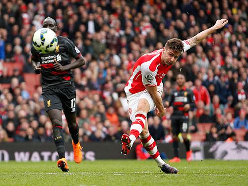Với các trụ cột có phong độ tốt, đặc biệt là Giroud ghi bàn trong 6 vòng gần nhất, Arsenal vẫn mơ lật đổ được ChelseaẢnh: REUTERS