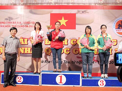 Kỳ thủ Nguyễn Phi Liêm giành ngôi á quân đơn nữ trong màu áo mới Bình Dương sau khi rời Hà Nội  Ảnh: ĐÀO TÙNG