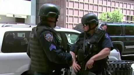 Mỹ đang thắt chặt an ninh khắp cả nước. Nguồn: CNN