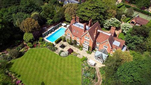 Một dinh thự của người giàu ở thủ đô London - Anh Ảnh: Daily Mail