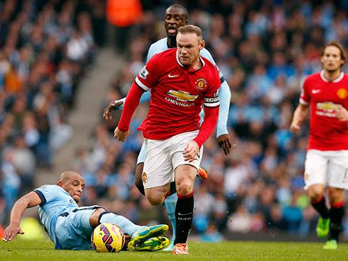Rooney và đồng đội sẽ gia tăng cách biệt với Man City lên 4 điểm nếu thắng trận derby đêm 12-4 Ảnh: REUTERS