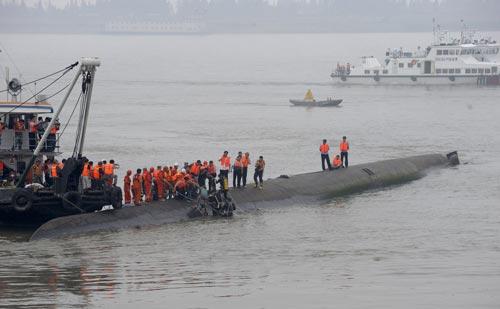 Đây là một trong những thảm họa chìm tàu tồi tệ nhất tại Trung Quốc trong vòng 70 năm qua  Ảnh: REUTERS